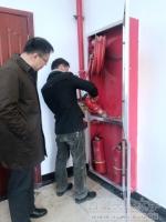 史本林副校长视察青年教职工公寓楼项目 - 西藏民族学院