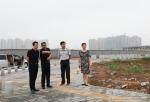 学校领导亲切慰问秦汉校区施工现场一线参建人员 - 西藏民族学院