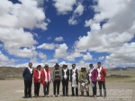 学校第八批第一轮驻改则县察布乡工作队顺利入驻工作点并完成了工作交接 - 西藏民族学院